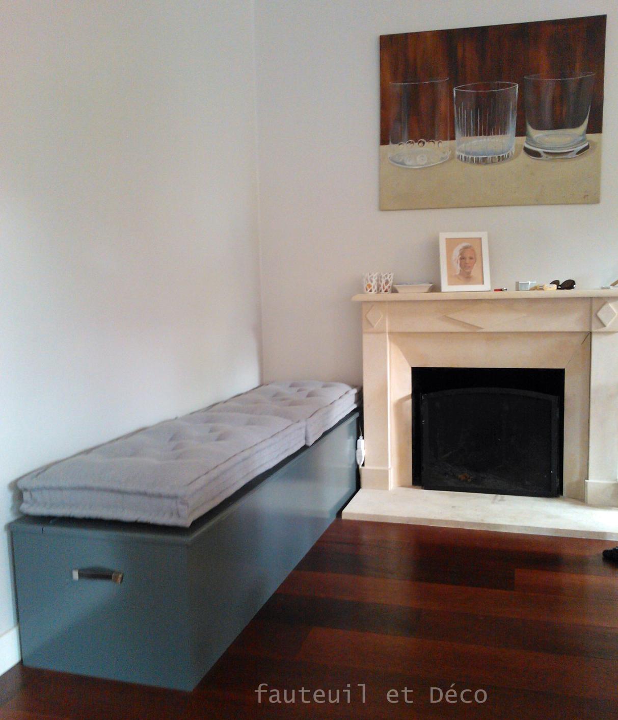 coussins tapissier fauteuil d co. Black Bedroom Furniture Sets. Home Design Ideas