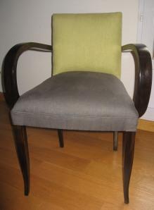 fauteuil bridge recouvert en lin gris et vert anis