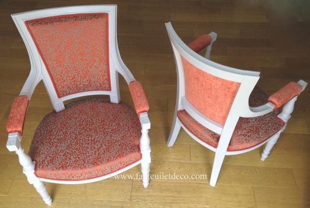 Paire de fauteuils directoire après restauration